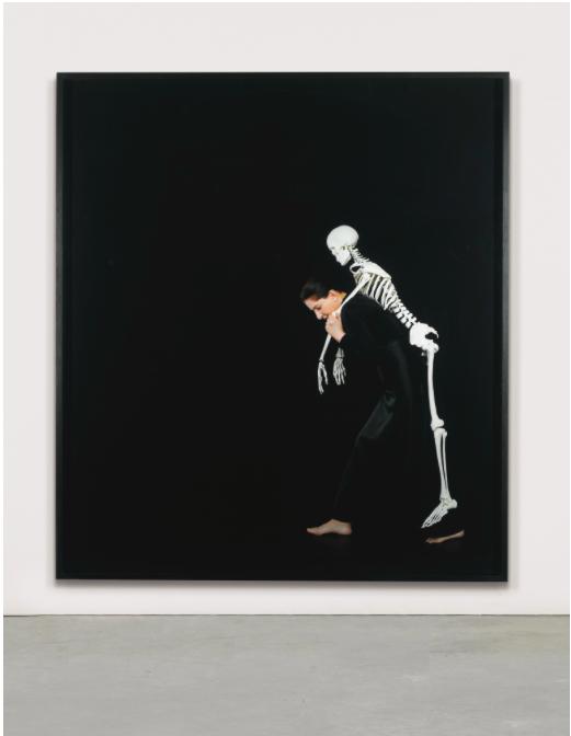 Marina Abramovic, Carrying the Skeleton, 2008,. utropspris: 247 000 SEK.