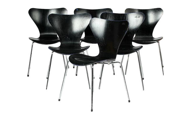 """Arne Jacobsen """"Sjuan"""". 6st stolar. Utrop: 4,900 Sek. Bruun Rasmussen"""