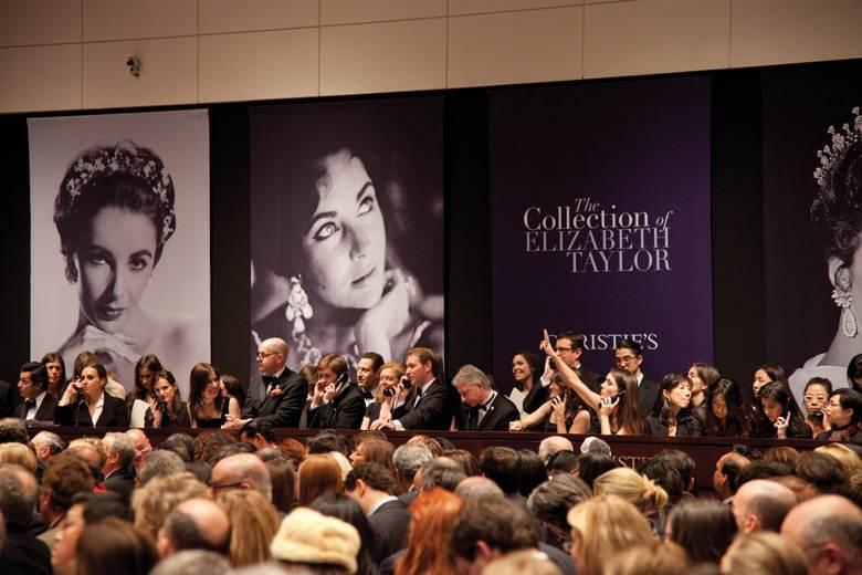 Lors de la vente Elizabeth Taylor en 2011 Image via Christie's