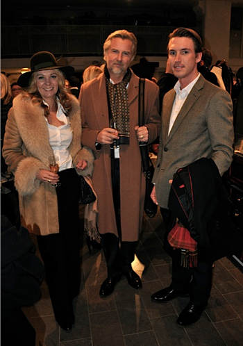 Anette-Rosencreutz,-Thomas-Gad-och-Gerard-Brodin_Stockholms-Auktionsverk_Fashion_Auktion