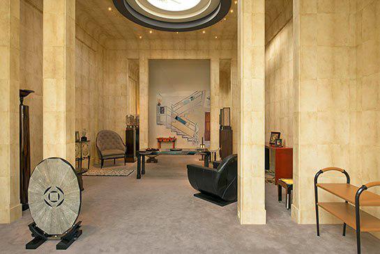 L'Hôtel Particulier de Jacques Doucet était Situé au 33 Rue Saint James à Neuilly Image via Pinterest