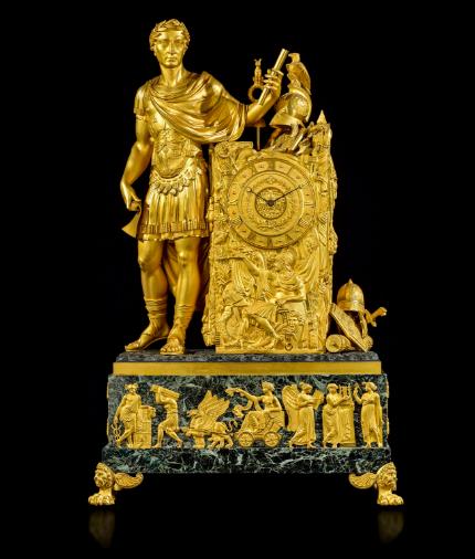 Exceptionnelle pendule de salon d'époque Empire figurant ''César triomphant'', attribuée à Pierre-François (1737-1823) ou Lucien-François Feuchère (? - 1841)