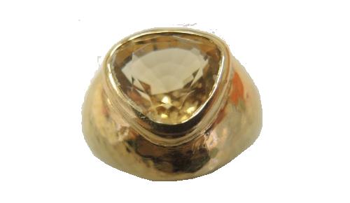 Bague jonc en or jaune 750 sertie clos d'une citrine de forme cœur Herbette