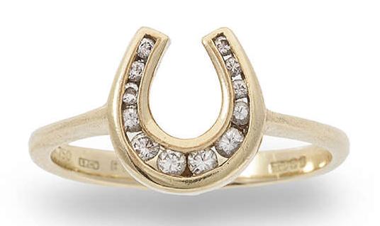Lot 6 Bague fer à cheval diamants Estimation basse: 420 €