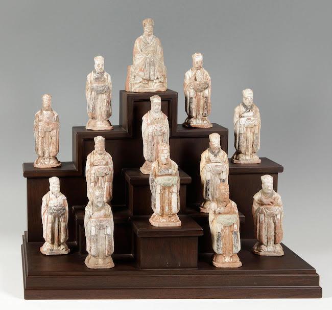 Kinesisk kalender, förmodligen Mingdynastin, 1368-1644. Kakeloch trä.