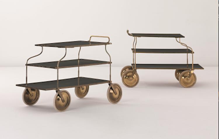Dyraste serveringsvagnarna tillskrivna Josef Frank sålda på auktion detta par i mässing med laminatskiva och gummidäck som såldes på Phillips i London 2011. Slutpriset landade på runt 150 000 kronor
