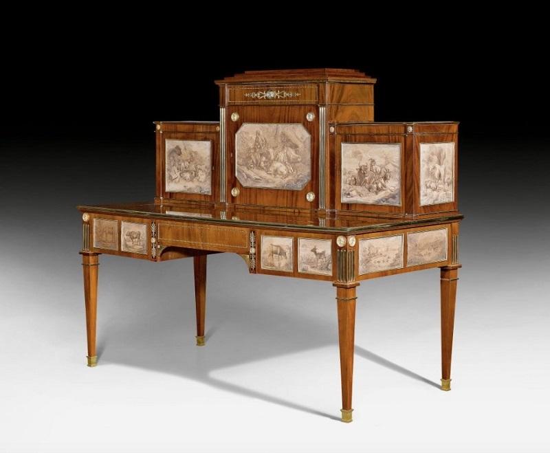 JOHANN KLINCKERFUSS. Escritorio de caoba con dibujos a tinta. Stuttgart (1800). Precio estimado: de 113.000 a 185.190 €