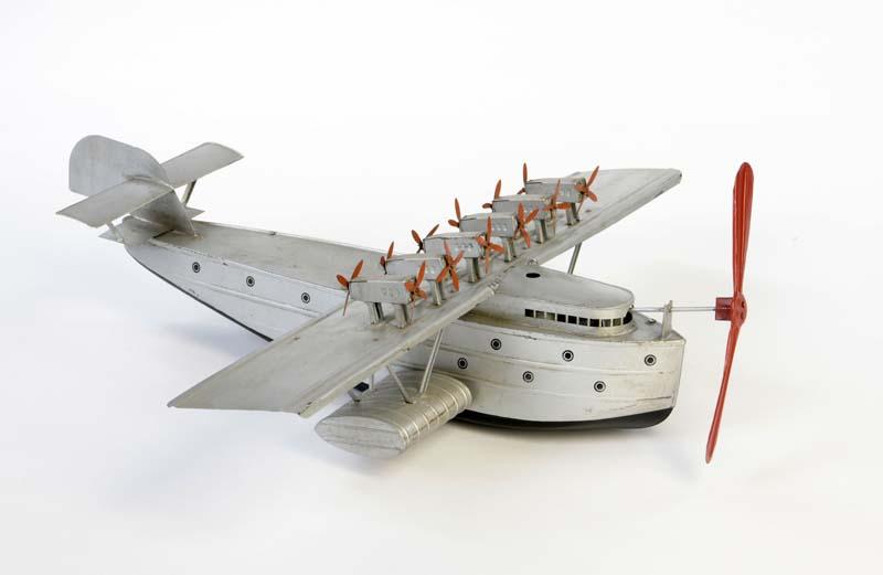 FLEISCHMANN Wasserflugzeug DO X