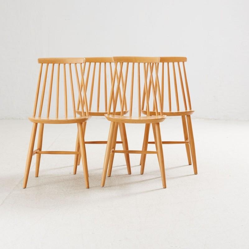 """Quatre chaises """"Tellus"""", années 1960 et 1970 Adjugées pour 180 EUR le 16 novembre 2016 par Stockholms Auktionsverk Online"""