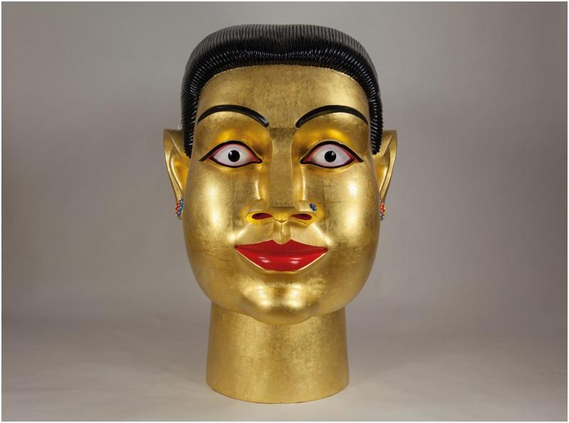 RAVINDER REDDY (1956 Suryapet, Indien) - Vergoldeter Kopf, Polyester, Fiberglas, bemalt, vergoldet, 135 x 89 x 152cm, 2006 Schätzpreis: 140.000-160.000 EUR Rufpreis: 70.000 EUR