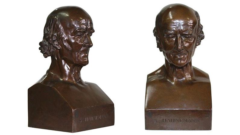 Pierre Jean David d'Angers (1788 Angers - 1856 Paris) - Portraitbüste Samuel Hahnemann, Bronze, Gießereistempel Reduction Mecanique A.LL Collas Brevete, bezeichent, signiert und datiert, 1837