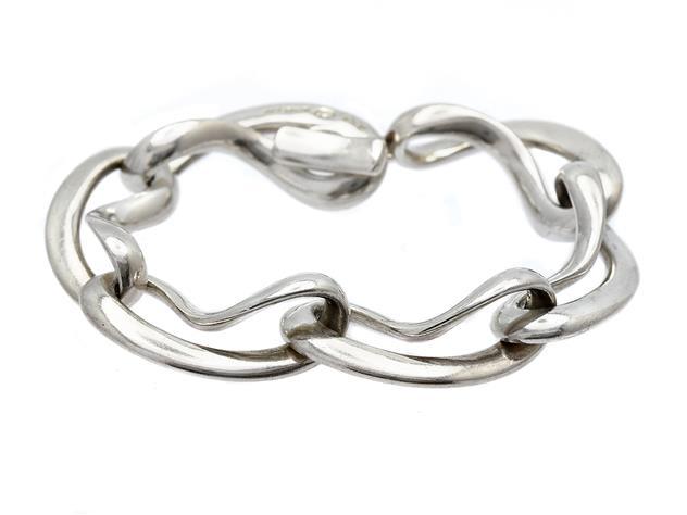 Armband, Georg Jensen. Sterling silver, design Regitze Overgaard.