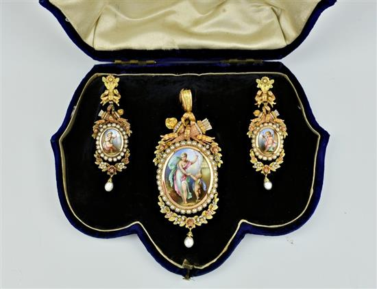A 19th-century French Three Colour 18ct Gold, Natural Pearl and Painted Miniature Demi Parure. Photo: Martel Maides