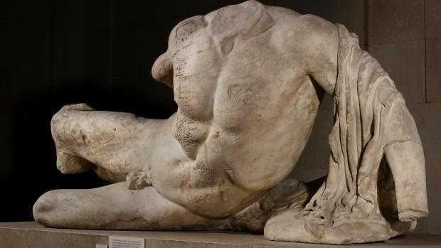 britain-russia-contested-sculptures
