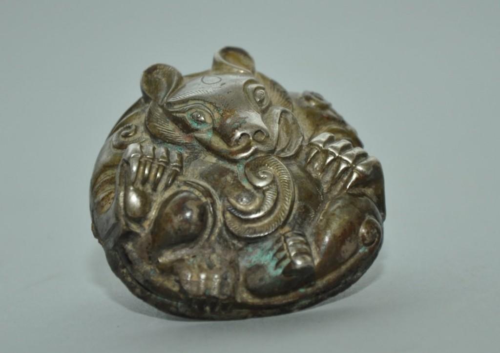 Bär aus Silber, Han-Dynastie (206 v. Chr.-220 n. Chr.) Ausrufpreis: 3.400 EUR