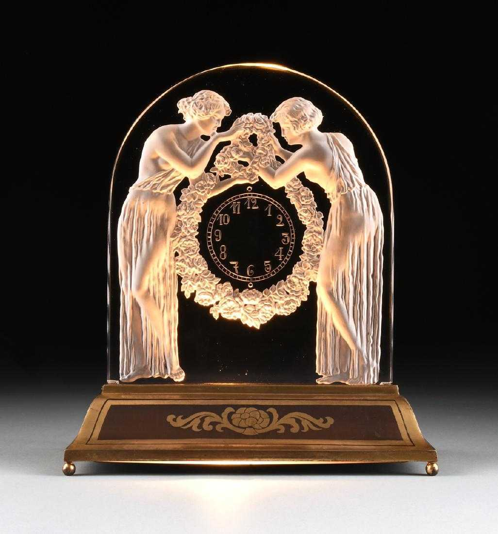 René Lalique, 'Two Figures'. Photo: Simpson Galleries