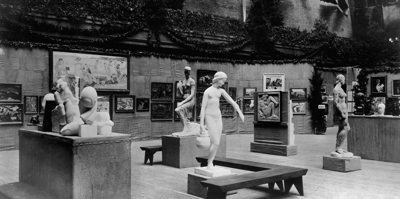 The 1913 Armory Show. Image: Bettman/Corbis, Newsweek