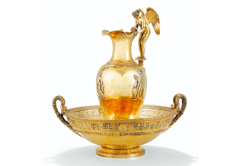 Aguamanil y jofaina dorados de Jean-Baptiste Claude Odiot. París (1798-1809)
