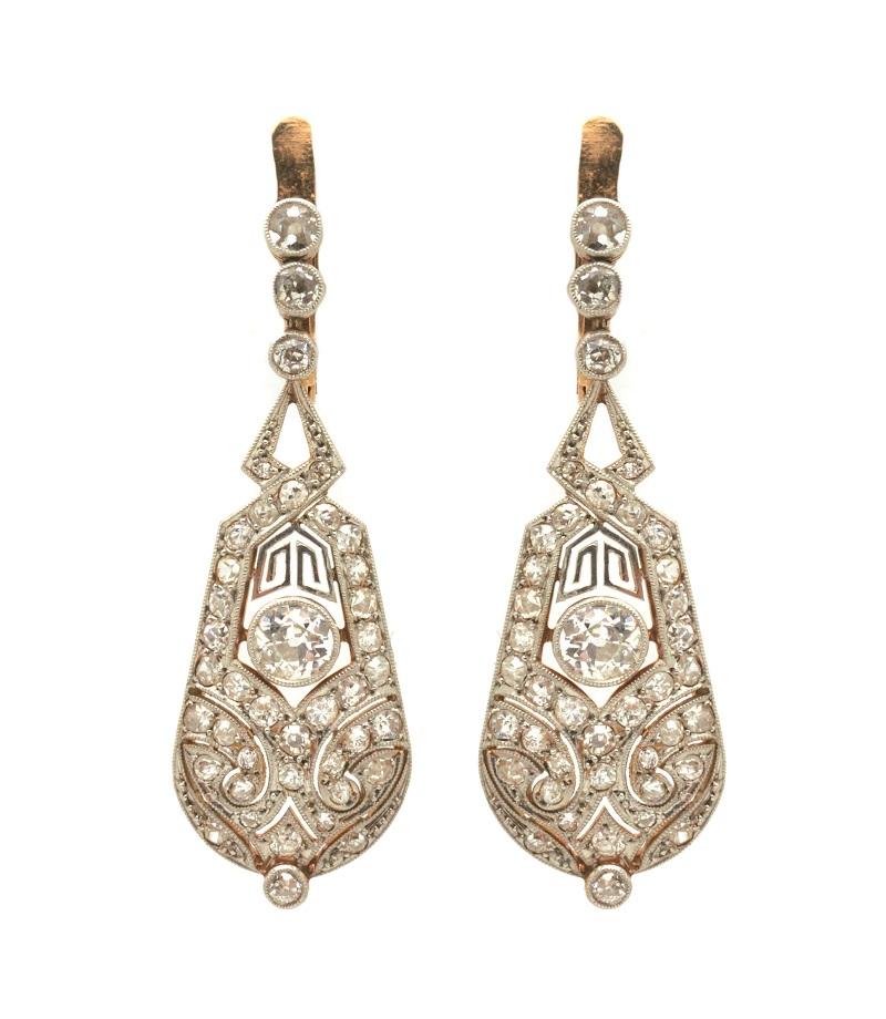 Pendientes Art Déco en oro y vistas en platino con calado de diamantes talla brillante antigua (c. 1930)