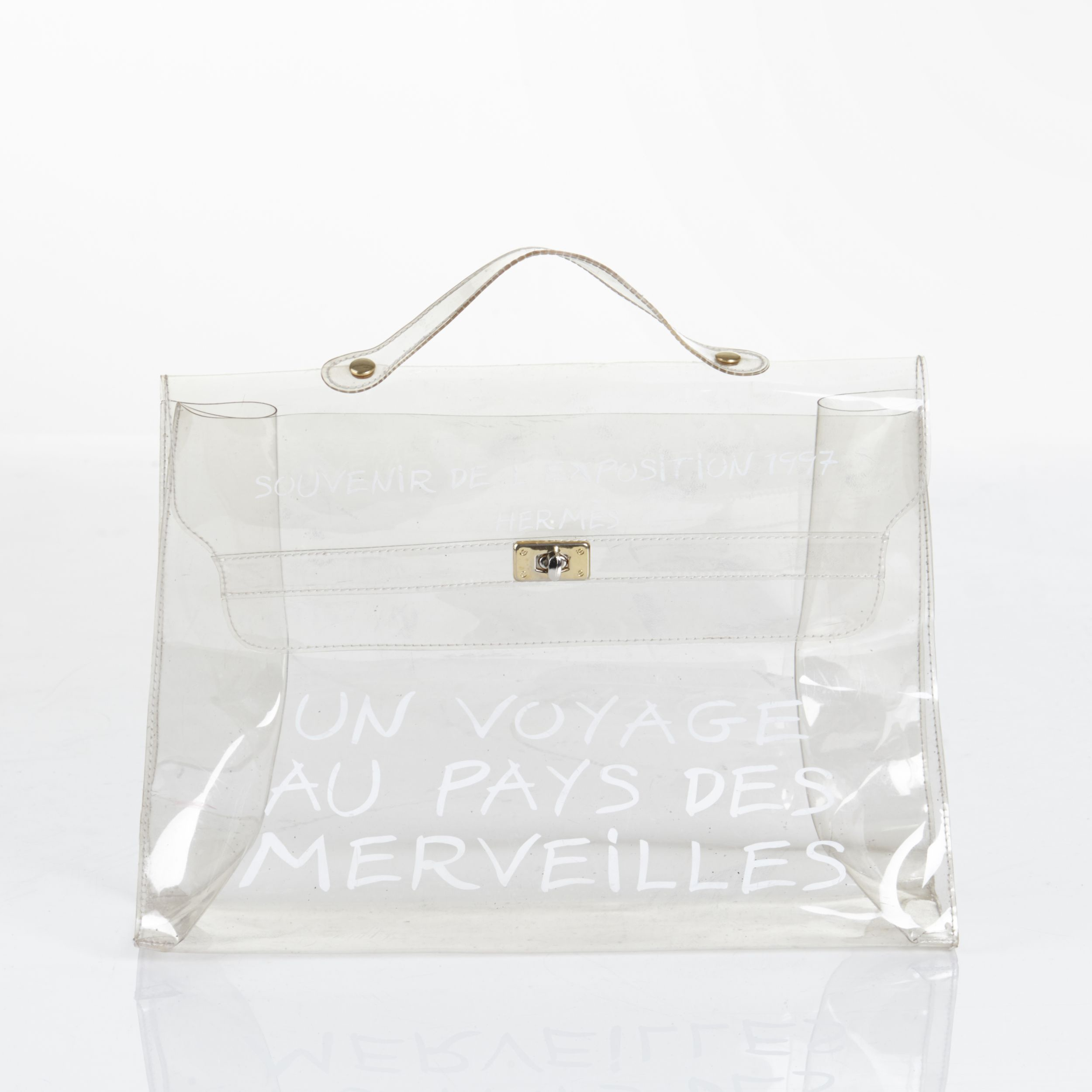 Hermès handväska Kelly Vinyl i PVC. Bild: Stockholms Auktionsverk