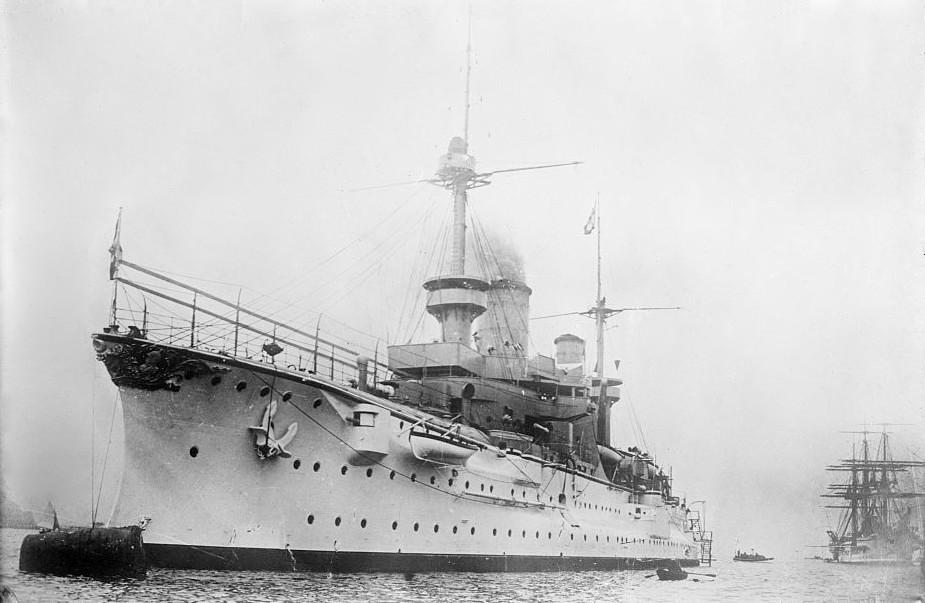 Die SMS Fürst Bismarck während eines Besuchs in den Vereinigten Staaten zwischen 1900 und 1909.