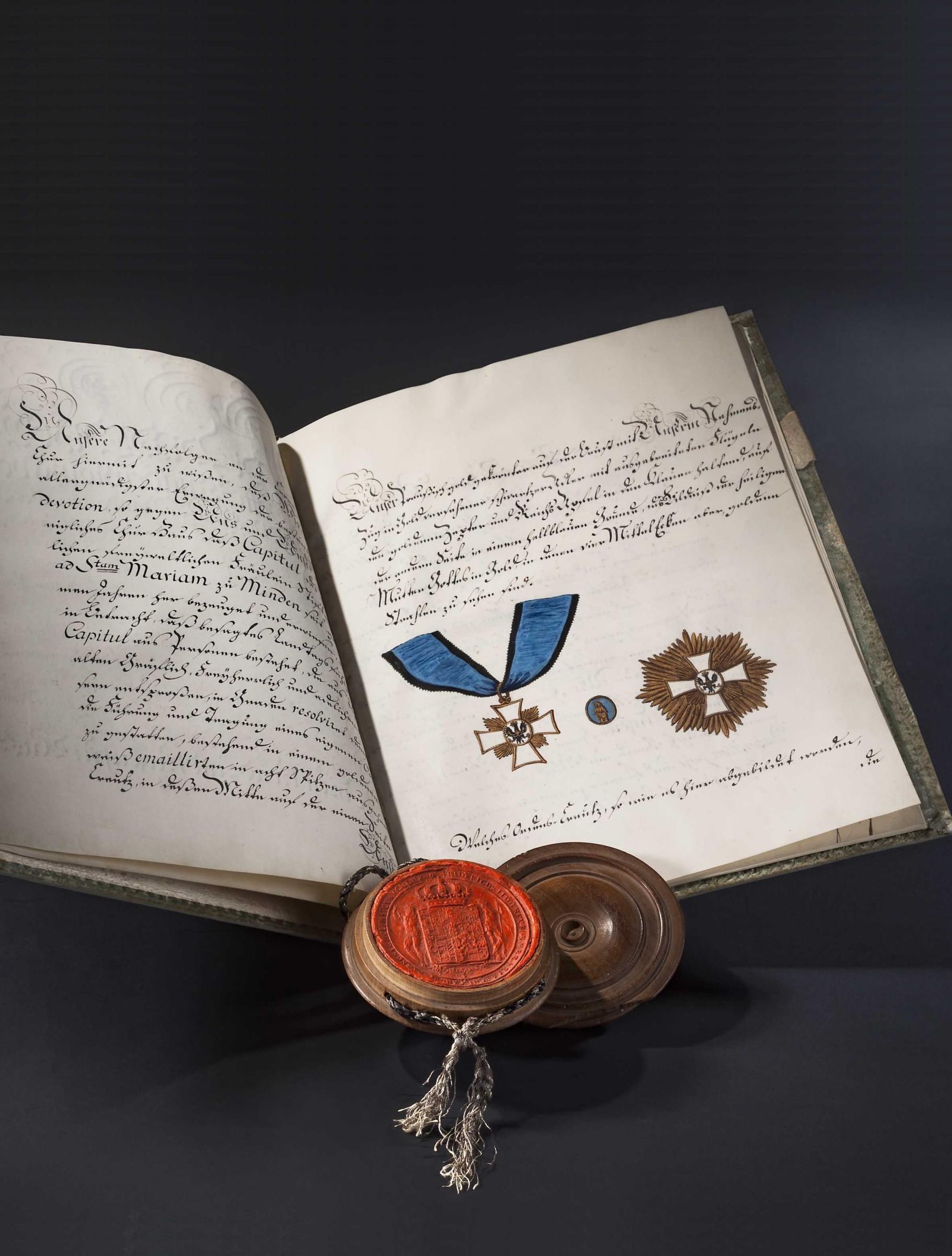 """König Friedrich II. - Stiftungsurkunde für das Ordenskreuz des """"adelichen freyweltlichen Fräuleinstiftes St. Marien zu Minden"""" 1778"""