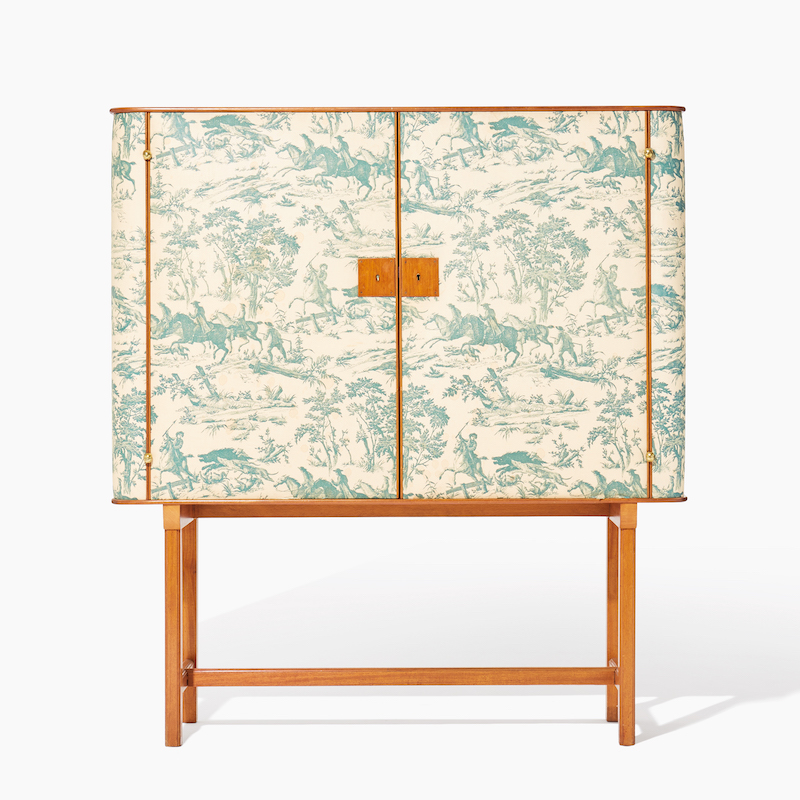 Josef Franks skåp är ett av flera föremål från 1930-talets Sverige