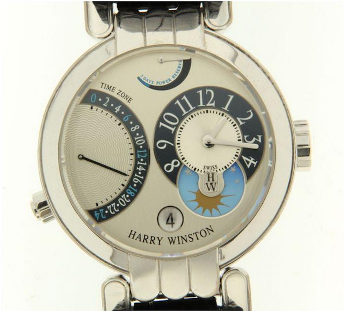 Armbandsur från Harry Winston, Premier Excenter Time Zone, i vitt guld. Auktionen avslutas 18 december 20.00. Utrop: 92.900 SEK