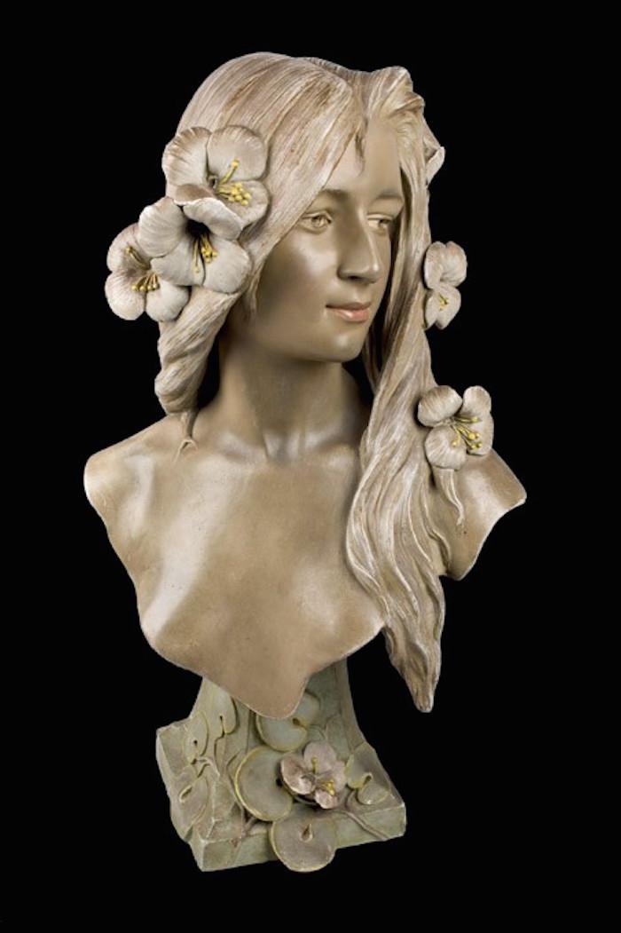 "Skulptur, ""Les Nénuphars"" av Georges Coudray. Lot: 924. Utrop: 9.200 SEK"