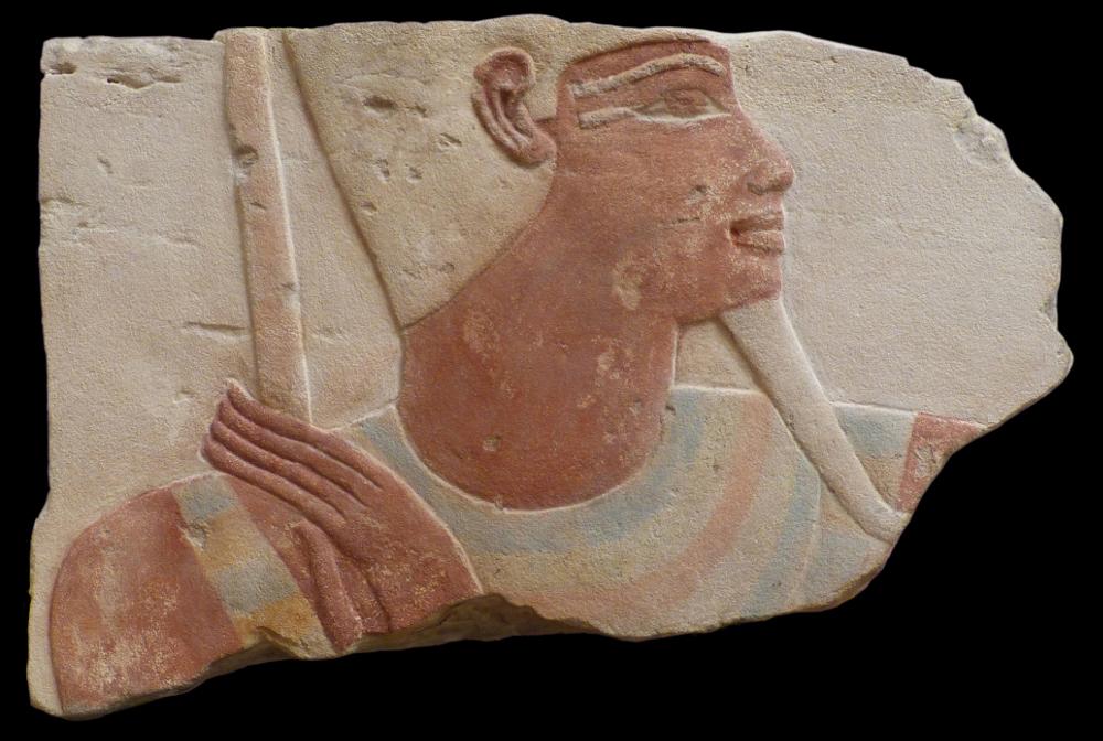 Relief volé, identifié par le British Museum en 2014 comme provenant d'un bâtiment de Thutmose IV à Karnak, maintenant rapatrié en Égypte, image ©Marcel Marée