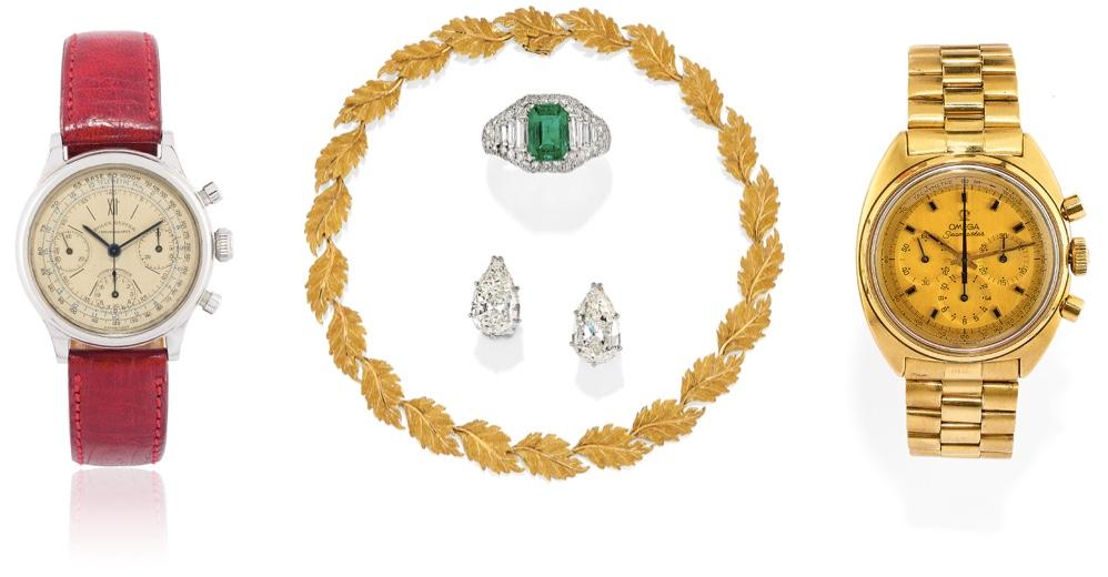 """Links: Rolex Oyster Chronograph, Edelstahl, um 1940 BUCCELLATI Collier, Gelbgold BVLGARI Ring """"Trombino"""", Platin, Smaragd, Diamanten, um 1960 Paar Ohrringe, Weißgold, Diamanten Rechts: OMEGA Seamaster Herrenuhr, Gelbgold, 1969"""