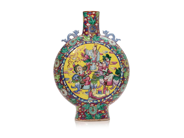 中国十九世纪末 粉彩双面神仙盘龙纹抱月瓶 正面 - H. 50 cm - 估价 1000-1500€