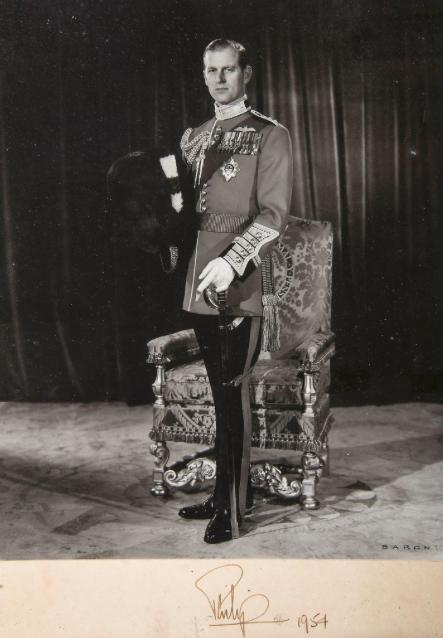 王子,愛丁堡公爵,女王伊莉莎白二世配偶男爵,1954