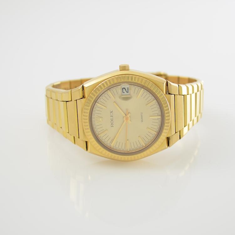 ROLEX Herrenarmbanduhr Die Uhr Il Texano, Schweiz aus massivem Gelbgold ist in einer limitierten Sonderauflage von nur 900 Exemplaren hergestellt worden und daher äußerst selten. Das originale Zertifikat liegt bei.  Schätzpreis: 9.000 - 15.000 EUR. Henry's Auktionshaus