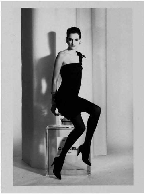 Karl Lagerfeld, (1933). Modeillustrationer, 46 originalfotografier från 1987-97. Silvergelatin