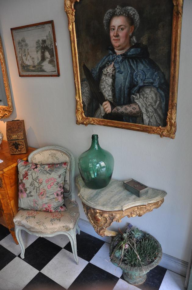 Gudrun-Ödmann-antik_konsolbord_rokoko_porträttmåleri-antikhandel_Sofie Ödmann