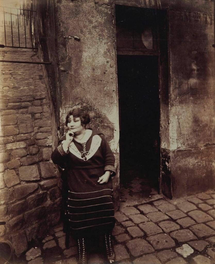 Eugène Atget , Rue Asselin, Paris, 1921. Foto: Christies.
