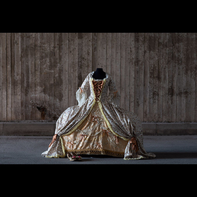Dress from the Opera 'Then a Teacher', which premiered on 1 June 1996 at Drottningholms Slottsteater. Size small. Photo: Stockholms Auctionsverk