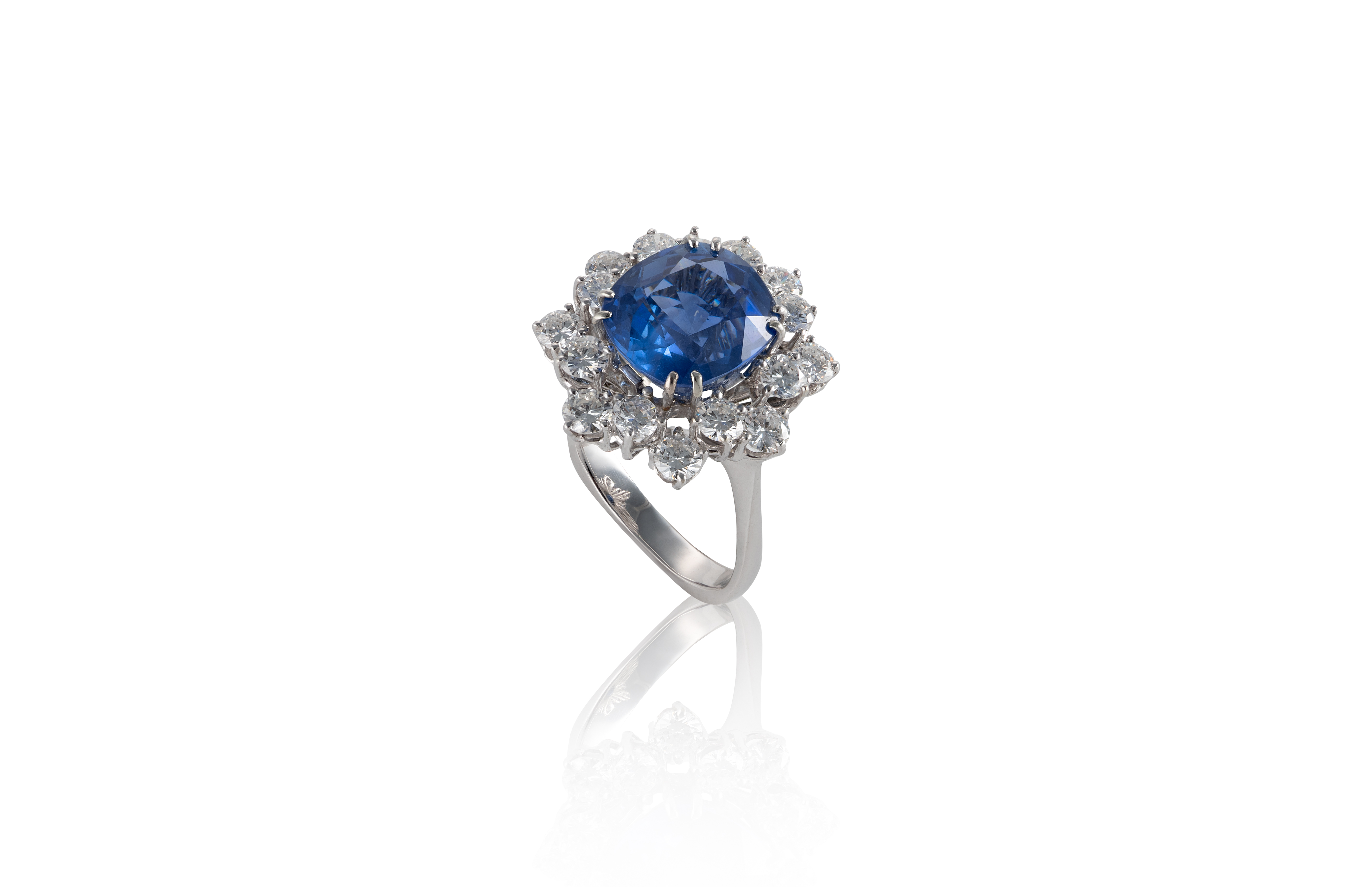 Sapphire and Diamond Cluster Ring. Photo: Cheffins
