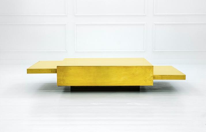 GABRIELLA CRESPI - Niedriger Tisch, Holz und Messing, 35x200x90 cm, ca. 1970 Schätzpreis: 22.000-35.000 EUR