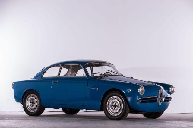 Alfa Romeo Giulietta Sprint del 1956. Courtesy Artcurial.