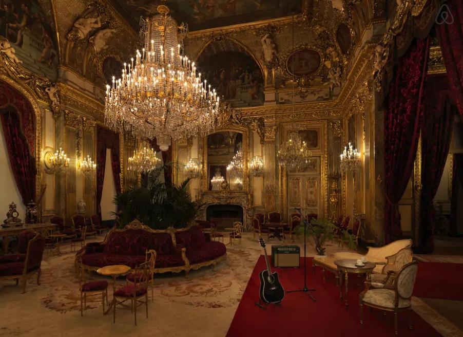 The hall of Napoleon III. Image: Julian Abrams via Airbnb