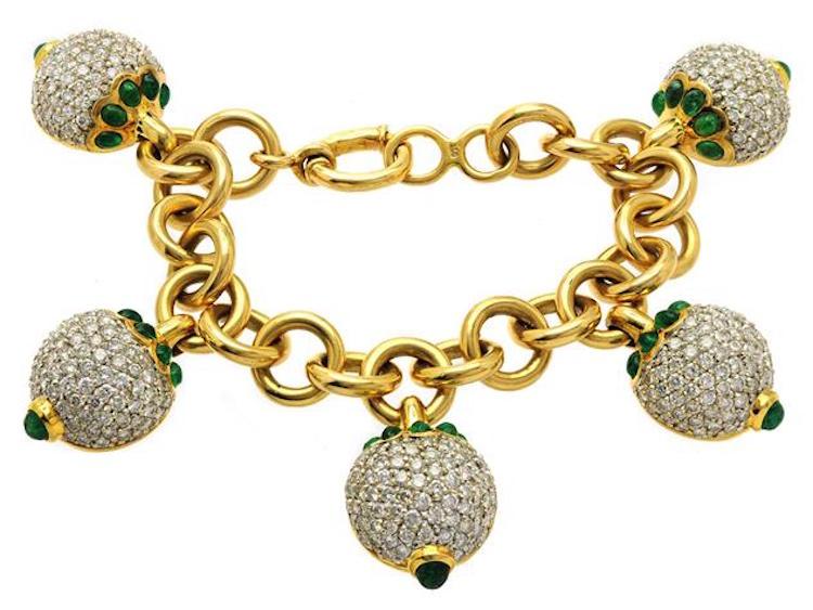 Armband, 18K guld, 30 cabochonslipade smaragder Utrop: 72 000 SEK Kaplans Auktioner