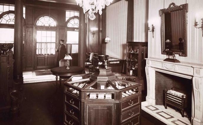 Der Verkaufsraum im ersten Geschäft | Foto via jewellerymag.ru