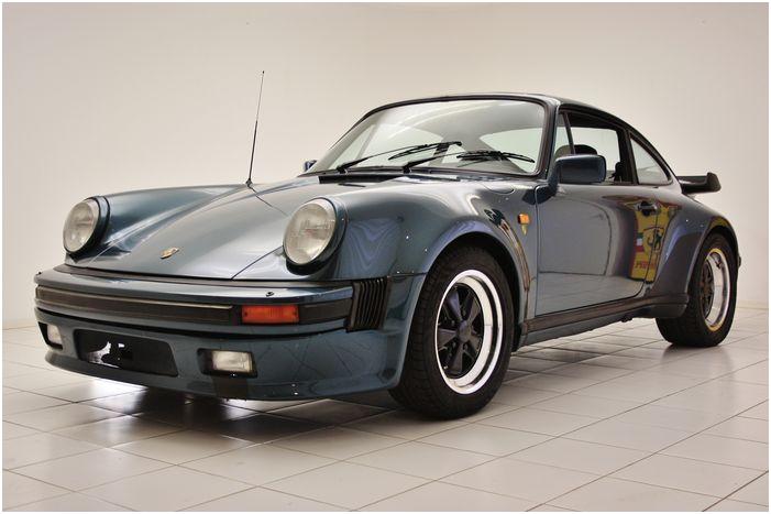 PORSCHE 911 930 3.3 Turbo - 1983. Utropspris: 880 000 - 1,1 miljoner kronor.