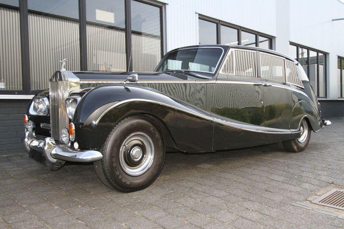 ROLLS ROYCE - Silver Wraith (1958). Precio estimado: 72.500-95.000 €