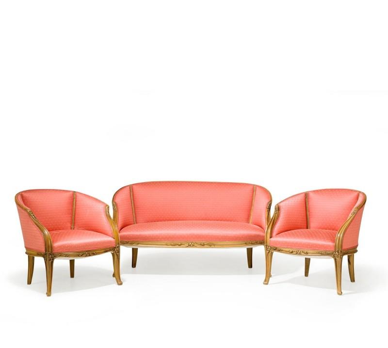 LOUIS MAJORELLE, soffa och fåtöljer, 1 par, Nancy, Frankrike 1900-talets början, valnöt, skuren dekor av bladornamentik. Såld för 28 000 kronor år 2014. Foto: Stockholms Auktionsverk.