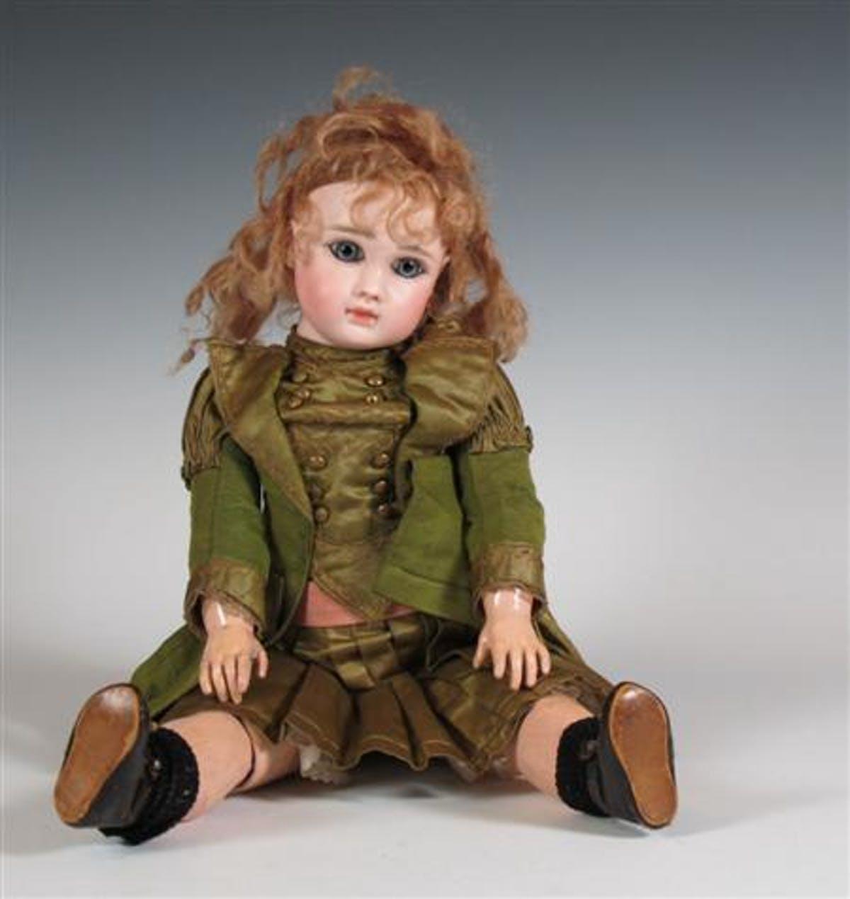 JULES STEINER. Muñeca de porcelana. Imagen vía: Barnebys