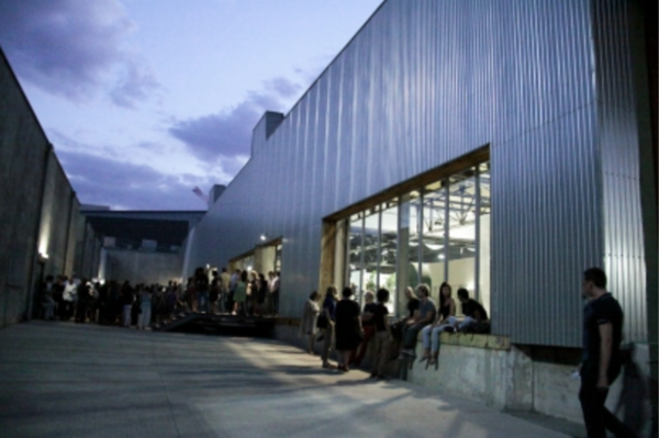 La Cartonnerie, ancienne usine située à la Friche la Belle de Mai accueillera le salon Caption via ART-O-RAMA.fr