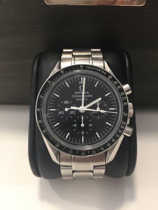 OMEGA - Speedmaster 50th Anniversary Gent's watch, 2007 Estimate: 6 500-8 500 EUR Auction ends: August 14